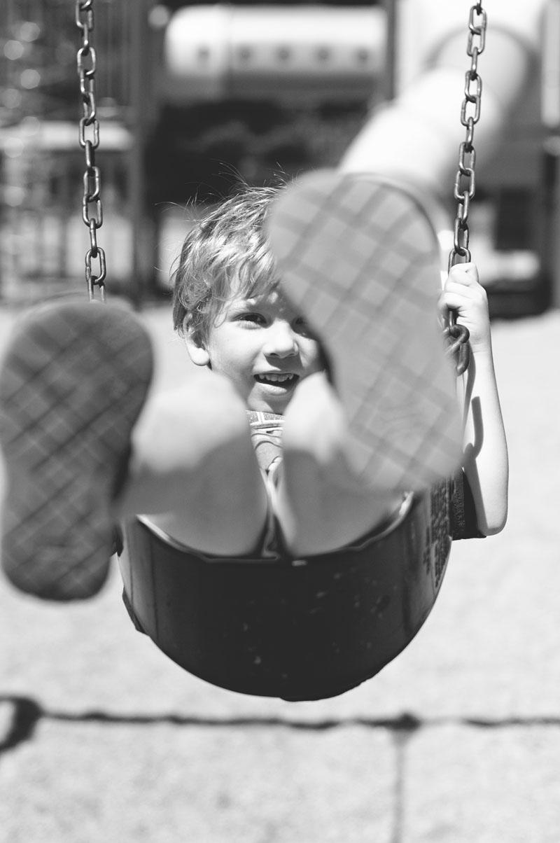 r_ian_swing_bw